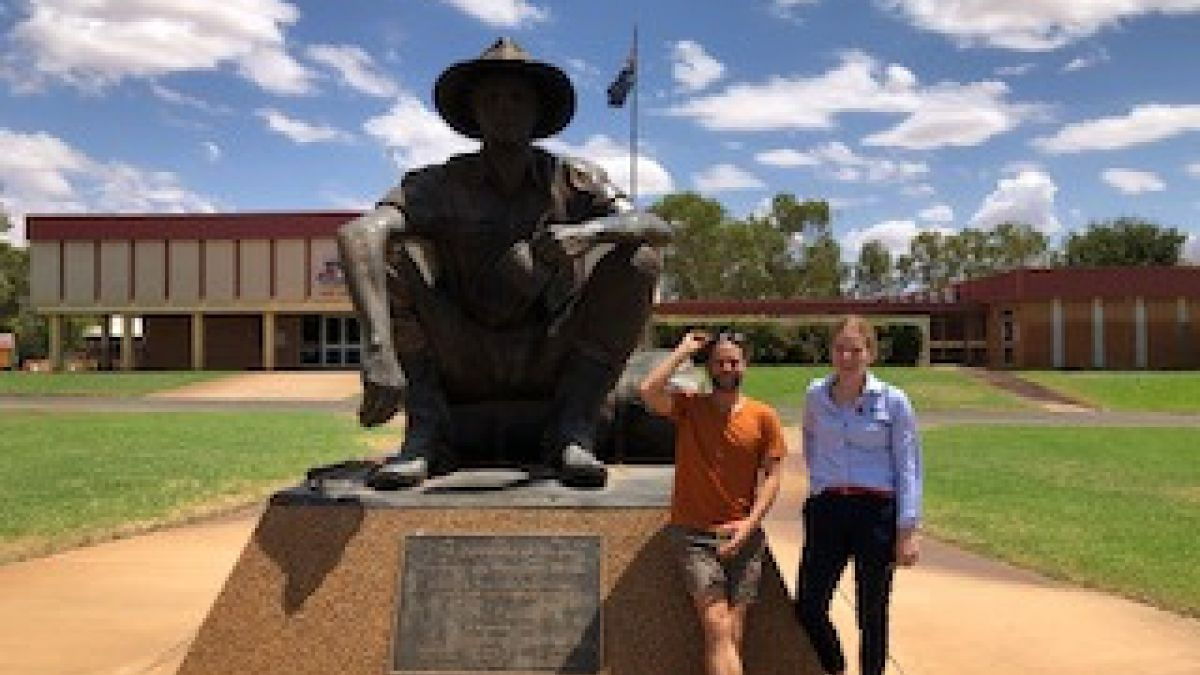 Alexander Rankin Usq Student At Cunnamulla With Jess Phillips